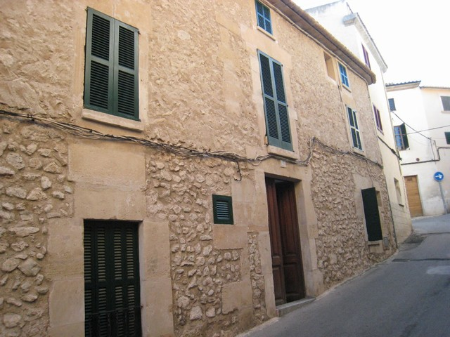Typical 3 storey townhouse in Pollensa with lovely stone facade