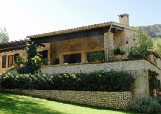 Reduced price country estate for sale Puigpunyent with fruit & olive groves