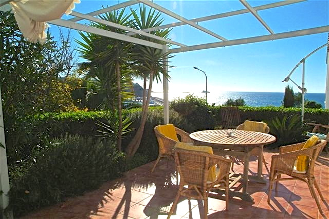 First line triplex semi-detached corner house in Santa Ponsa, Mallorca