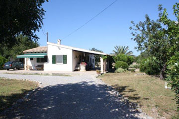 Chalet House for sale on a large plot in Pollensa, Mallorca