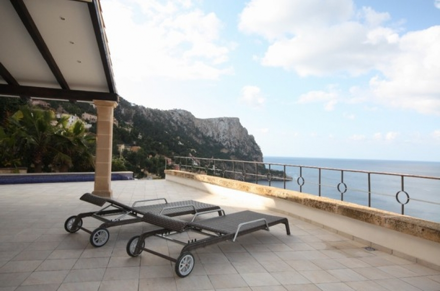 Recently refurbished frontline villa with amazing Sunset views in Cala Llamp, Mallorca