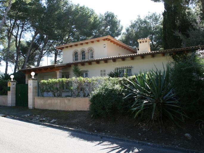 House for sale in a peaceful place in Costa de Los Pinos, Mallorca