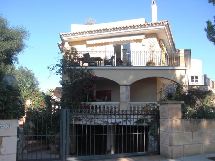 Family home for sale in Font de sa Cala, Mallorca with sea views