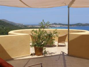 House for sale with panoramic views in Font de sa Cala, Mallorca