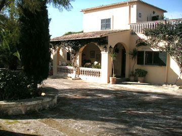 6 bedroom Finca for sale in rural location of Bunyola, Mallorca with tennis court