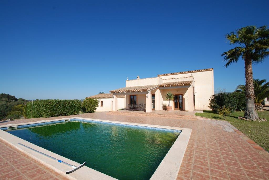 Finca for sale in San Lorenzo Mallorca on a large plot
