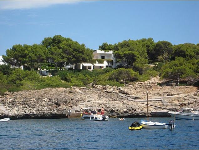 First line property for sale in Cala Egos with direct sea access