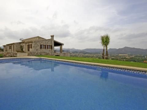 Luxury estate for sale in Arta, Mallorca with panoramic views