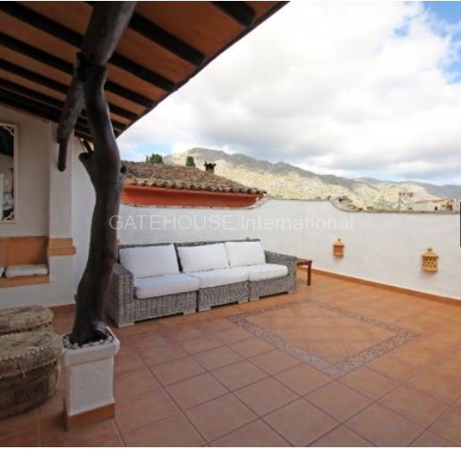 Best Restaurants In Pollensa: Traditional Townhouse For Sale In Pollensa Old Town