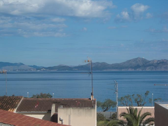 House for sale in Colonia de Sant Pere with rooftop terrace and sea views