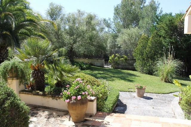 Immaculately presented mediterranean villa with separate guest house for sale Pollensa
