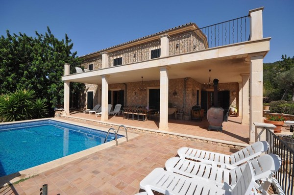 Luxury country hotel for sale sa coma andratx fantastic for Hotel luxury for sale
