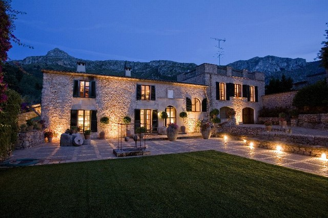 An historic country house for sale in Vall den March, close to golf & Pollensa town