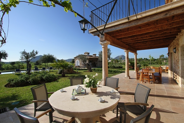 An impressive country house with country views near Alcudia, Mallorca