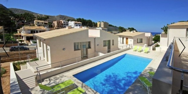 Semi detached villa with sea view for sale in Cala San Vicente, Mallorca