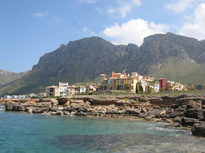 Luxurious frontline apartment for sale in Betlem, Mallorca ...