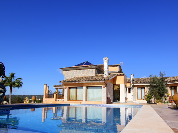 Villa with panoramic views over the bay in Palma, Mallorca