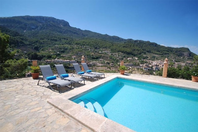 Luxury reduced villa for sale in Banyalbufar, Mallorca