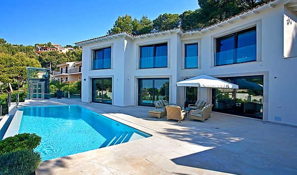 Luxury villa with sea views for sale in Costa den Blanes