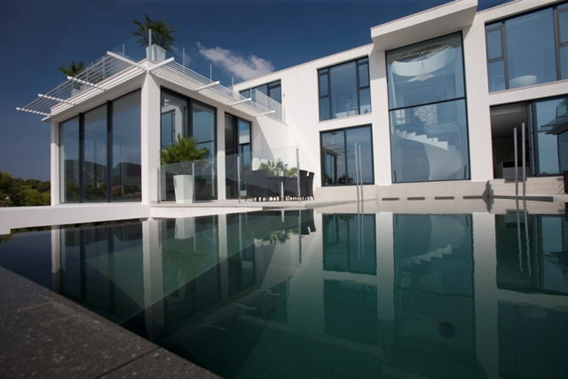Luxury contemporary villa for sale in Camp de Mar, Mallorca