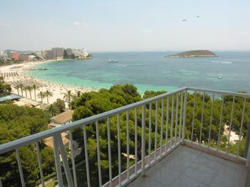 Cheap sea view, beach front, apartments for sale in Magalluf, Mallorca