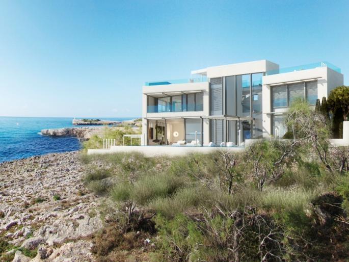 Elite Minimalist house for sale in sea front location in Porto Cristo, Mallorca