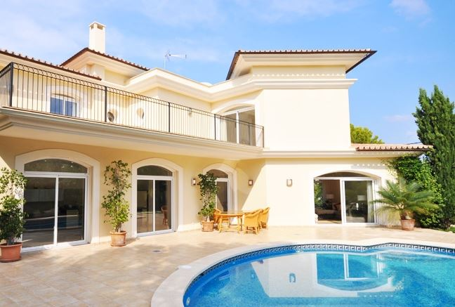 Modern 4 bedroom luxury villa for sale with views over Santa Ponsa Bay