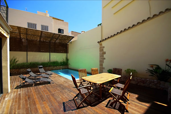 Modernised townhouse for sale in centre of Pollensa Old Town