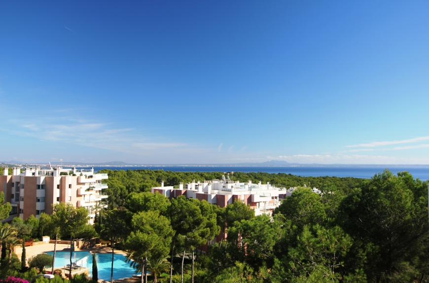 Luxury Penthouse apartment for sale in exclusive gated community in Sol de Mallorca