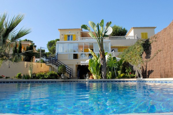 Recently reduced detached villa in Santa Ponsa with sea views from first floor