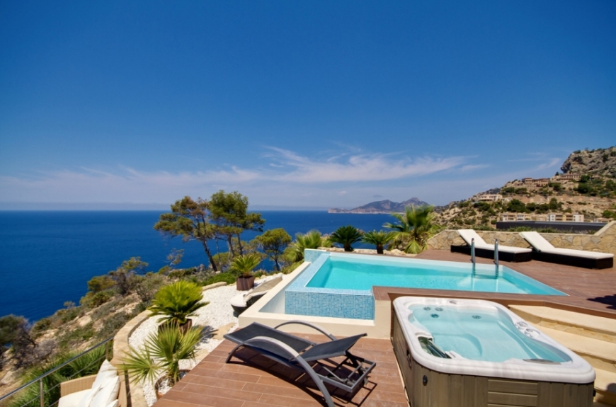 Stunning Sea view Penthouse apartment for sale in Puerto Andratx, Mallorca