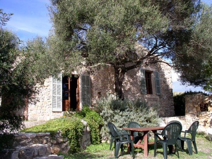 Natural stone house for sale in Capdepera, Mallorca