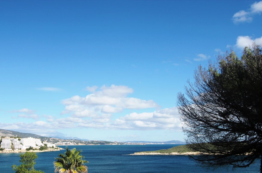 Sea view plot for sale in Cala Vinyas, Mallorca