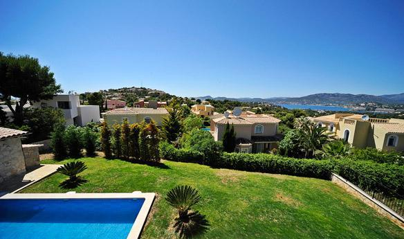 Stunning family size villa for sale in Santa Ponsa, Mallorca