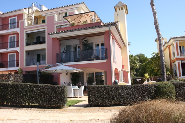 Great value reduced Townhouse for sale in Las Adelfas, Santa Ponsa, Mallorca