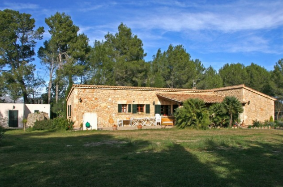 Traditional country home for sale close to Pollensa, Mallorca