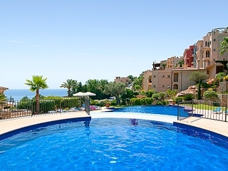 €750,000Cala LlampExclusive garden apartment with amazing sea views, 2 beds, 2 baths.…