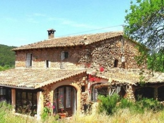 €375,000Santa MariaRustic old stone farmhouse close to Santa Monica – reduced in price…
