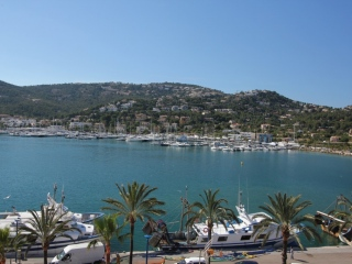 €185,000Puerto AndratxModern 2 bedroom apartment offering panoramic views. Excellent investment opportunity…