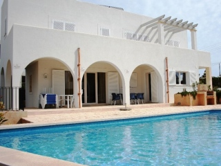 €795,000Cala DorNewly built 3 bedroom home with pool only 100m from the beach…