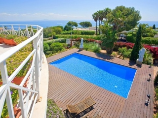 €1,750,000Sol de MallorcaLuxury colonial style sea view villa in exclusive & quiet residential area…