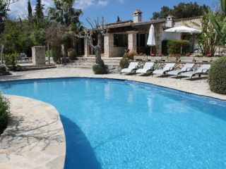 €2,600,000PollensaBeautiful old stone finca close to golf course, with guest accommodation…