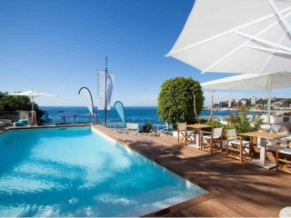 €590,000San AugustinGreat value, first line to the sea, apartment. Access to Zhero Beach Club…